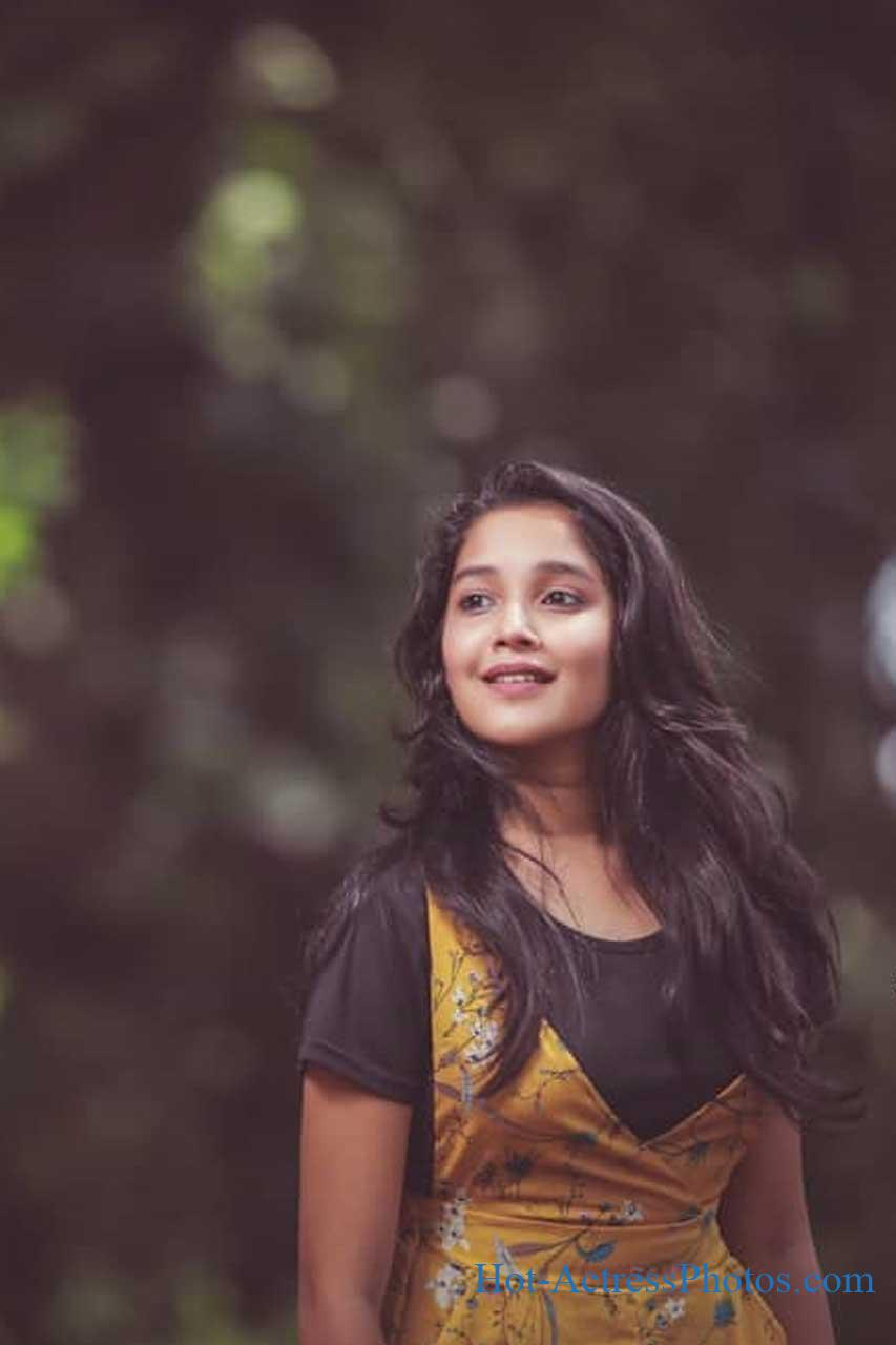 Anikha Surendran Cute Photos