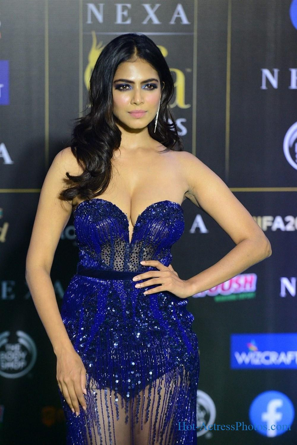 Malavika Mohanan Hot Photos At IIFA Green Carpet