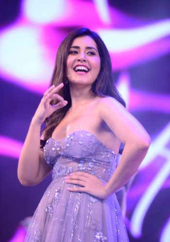 Raashi Khanna New Hot Photos