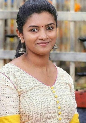 Sivappu Manjal Pachai Movie Actress G.V.Prakash Sister Name Lijo Mol Jose Photos