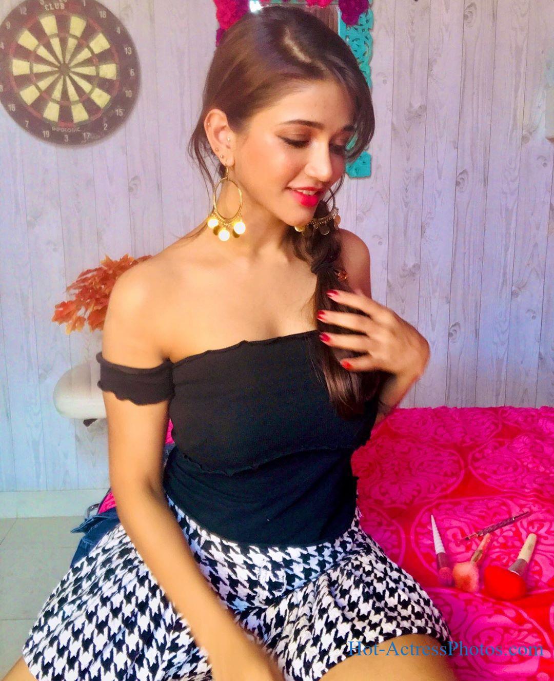 Anaika Soti Latest Hot Photos