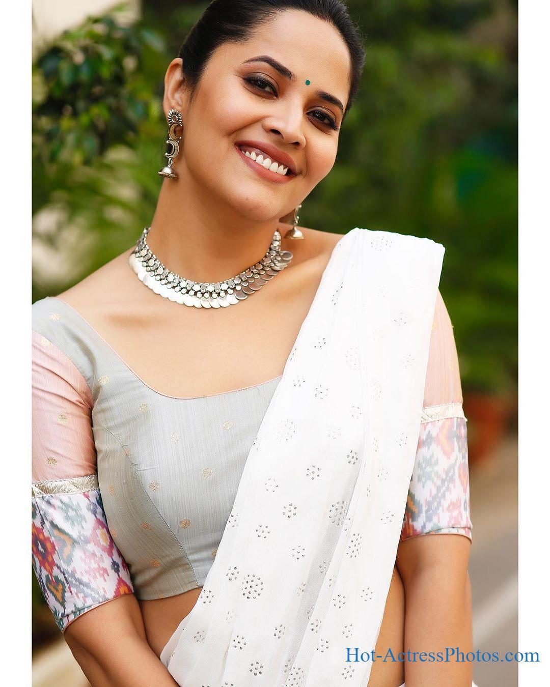 Anasuya Bharadwaj Latest Hot Photos
