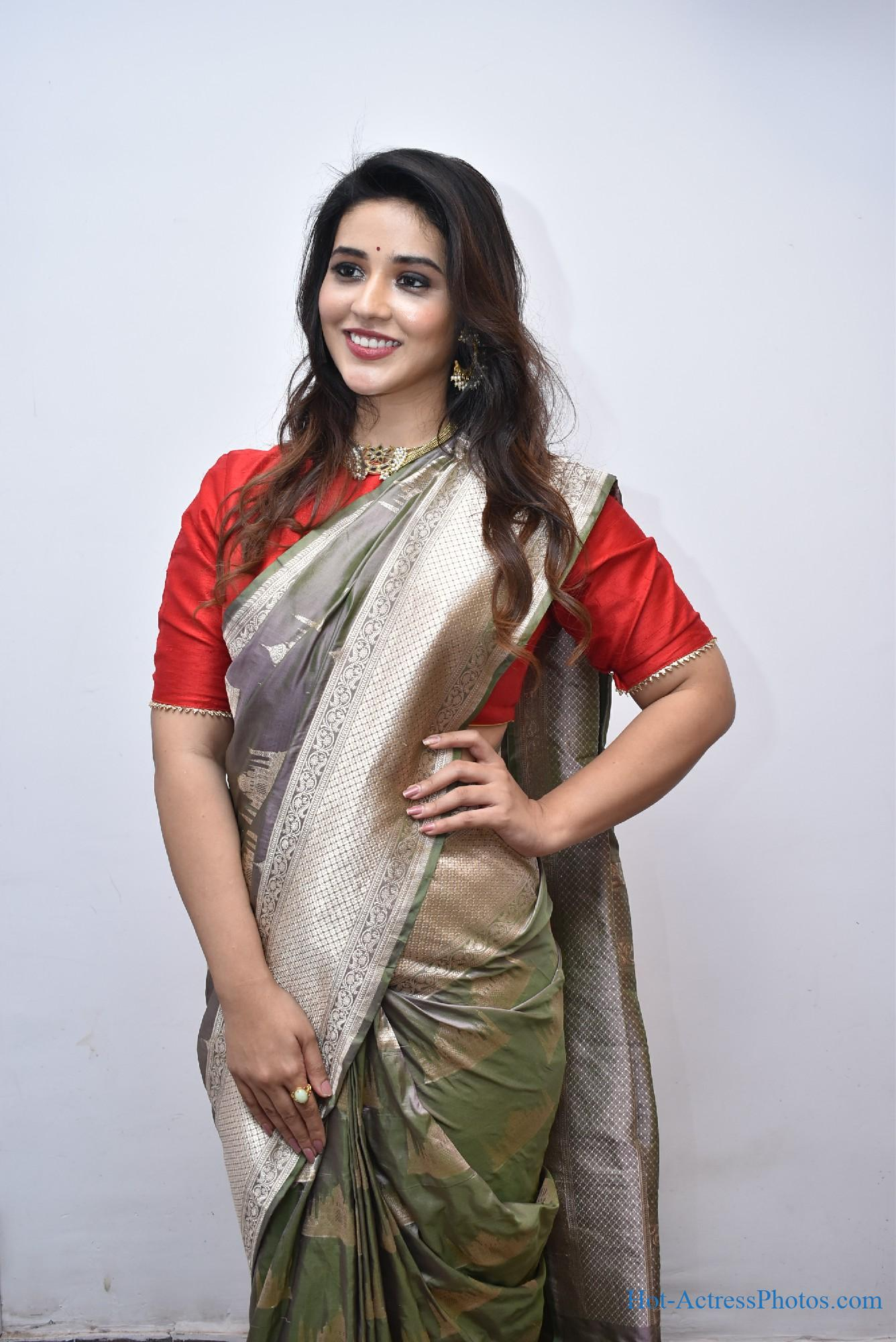 Priyanka Jawalkar Photos In Saree At Kanchipuram GRT Silks Launch