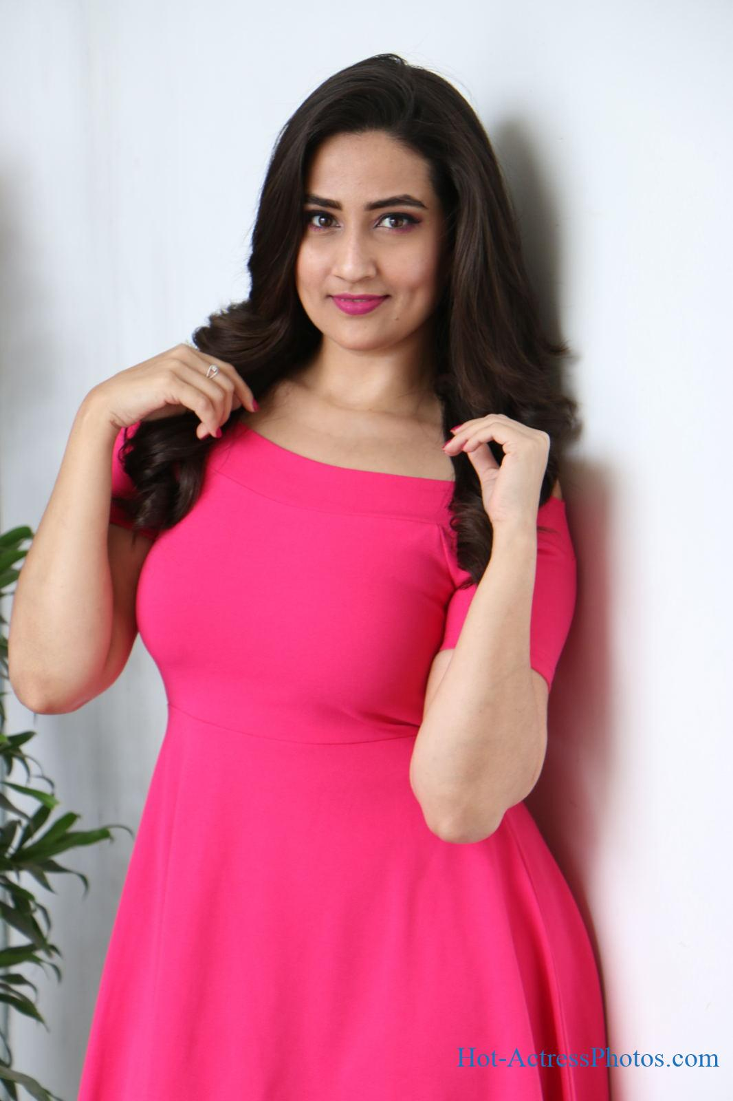 Anchor Manjusha Hot Photos At World Famous Lover Movie Promotions