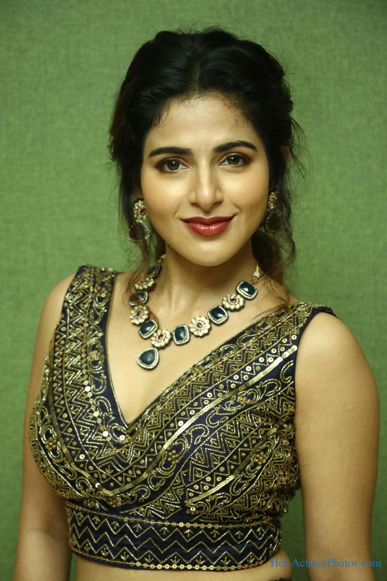 Iswarya Menon Hot Photos At Naan Sirithal Movie Audio Launch