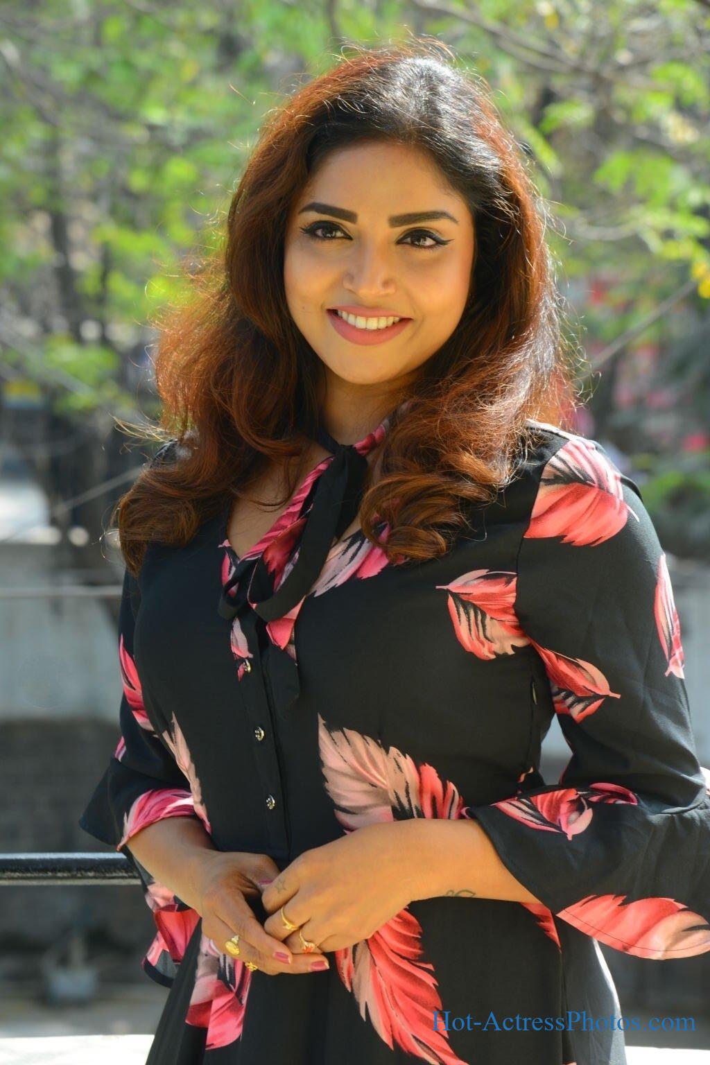 Karunya Chowdary Latest Hot Photos