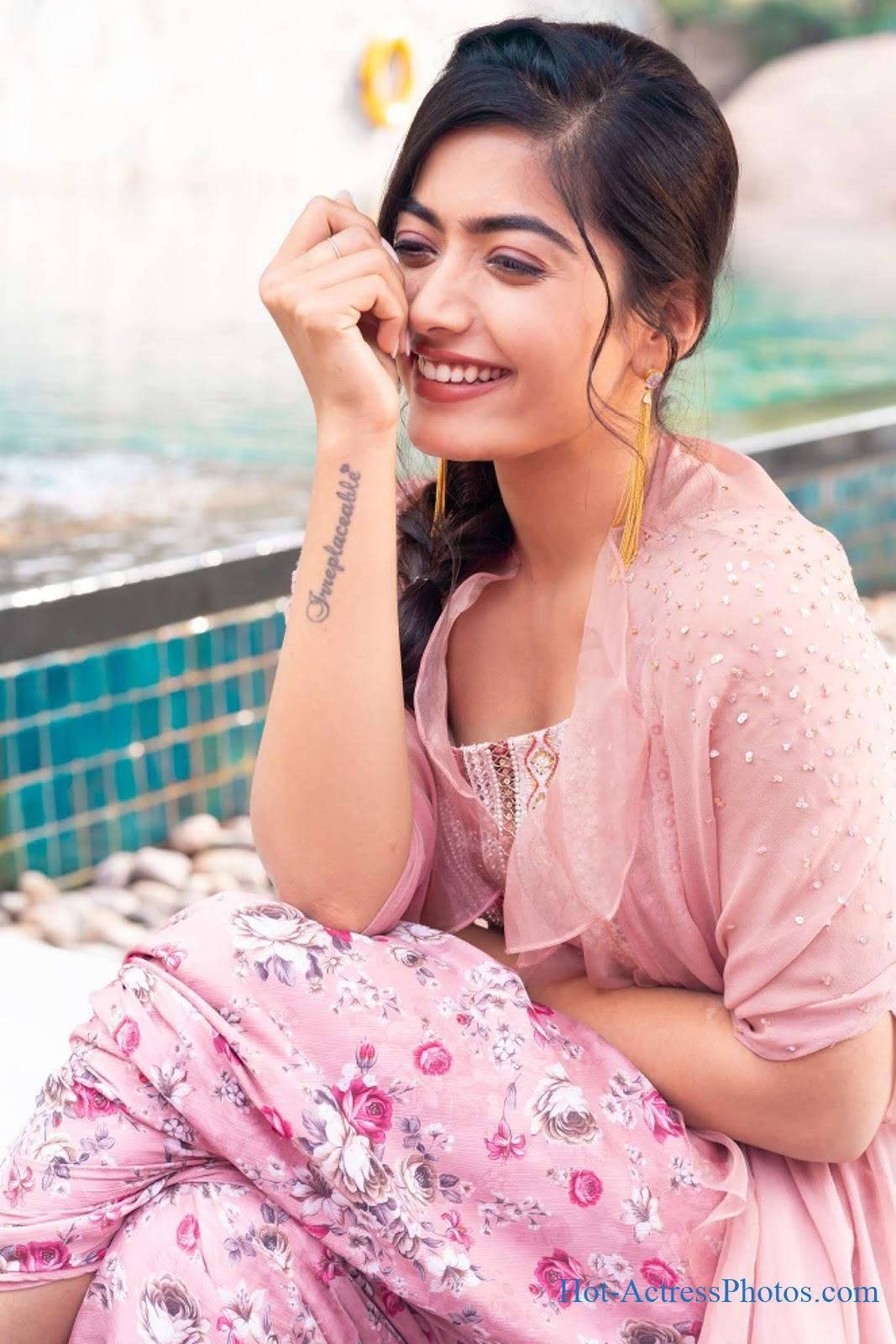 Rashmika Mandanna Latest Cute Photos