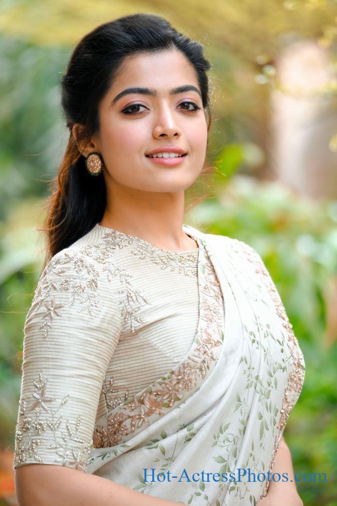Rashmika Mandanna New Hot Photos In Saree