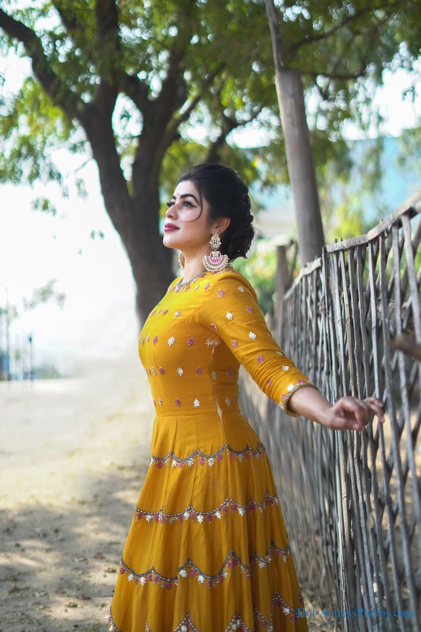 Shamna Kasim Latest Photoshoot Images