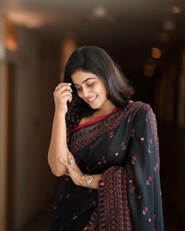 Poorna New Cute Photos In Saree