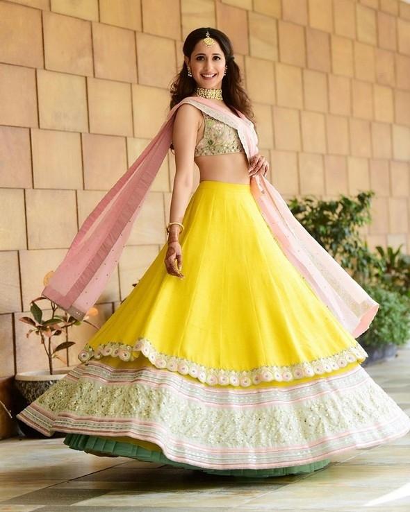 Pragya Jaiswal Latest Cute Photos