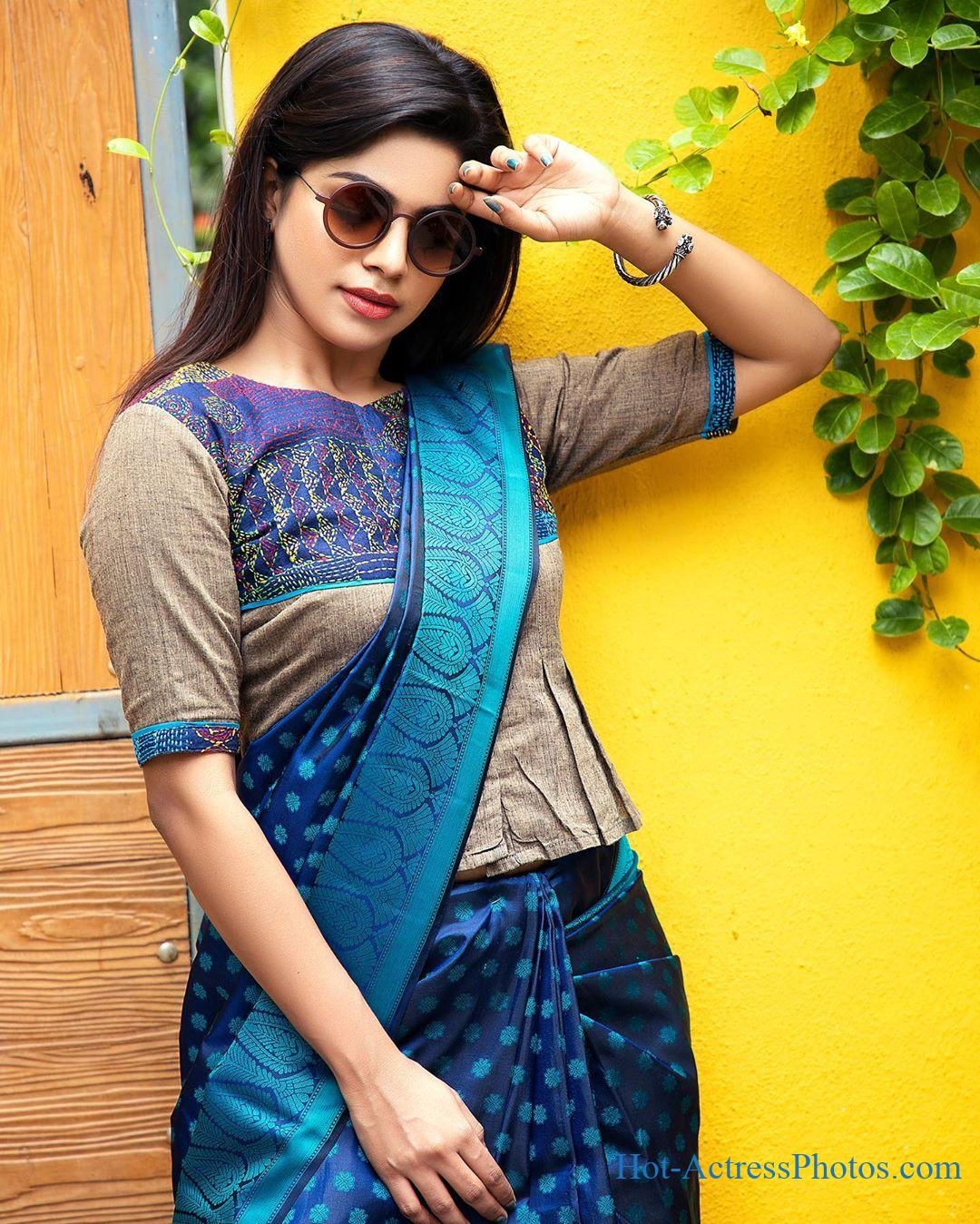 Actress Divyabharathi Latest Hot Images