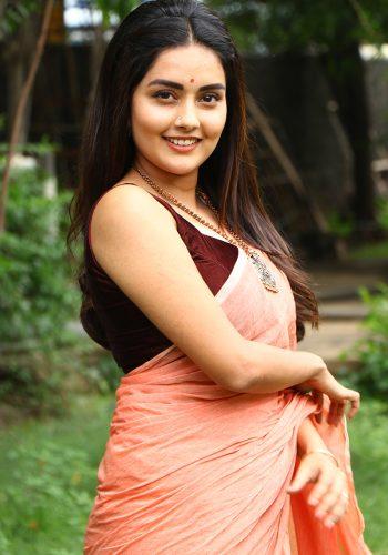 Magamuni Movie Actress Mahima Nambiar Latest Hottest Photos In Saree