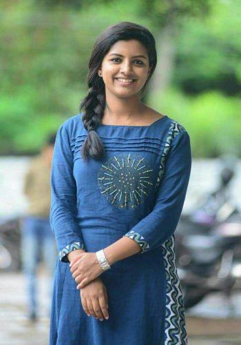 Sivappu Manjal Pachai Movie Actress Lijo Mol Jose Hot Photos