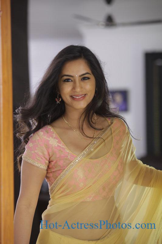 Neha Krishna Hot Navel Photos In Transparent Saree In Valliddari Madyalo Movie