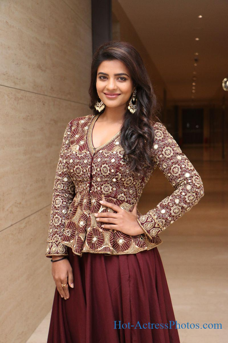 Aishwarya Rajesh Latest Photos At World Famous Lover Pre-Release