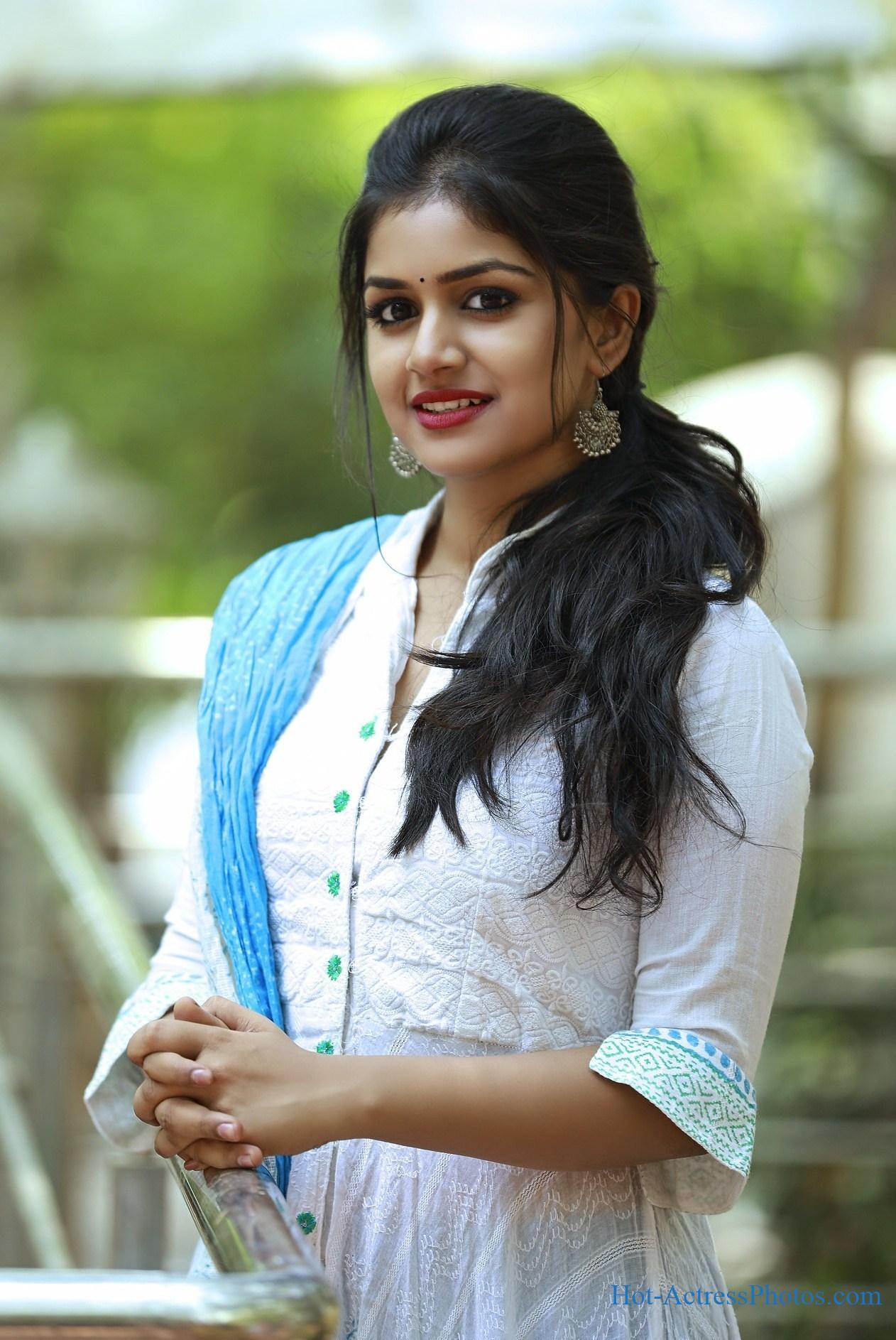 Sanjana Anand Latest Cute Photos