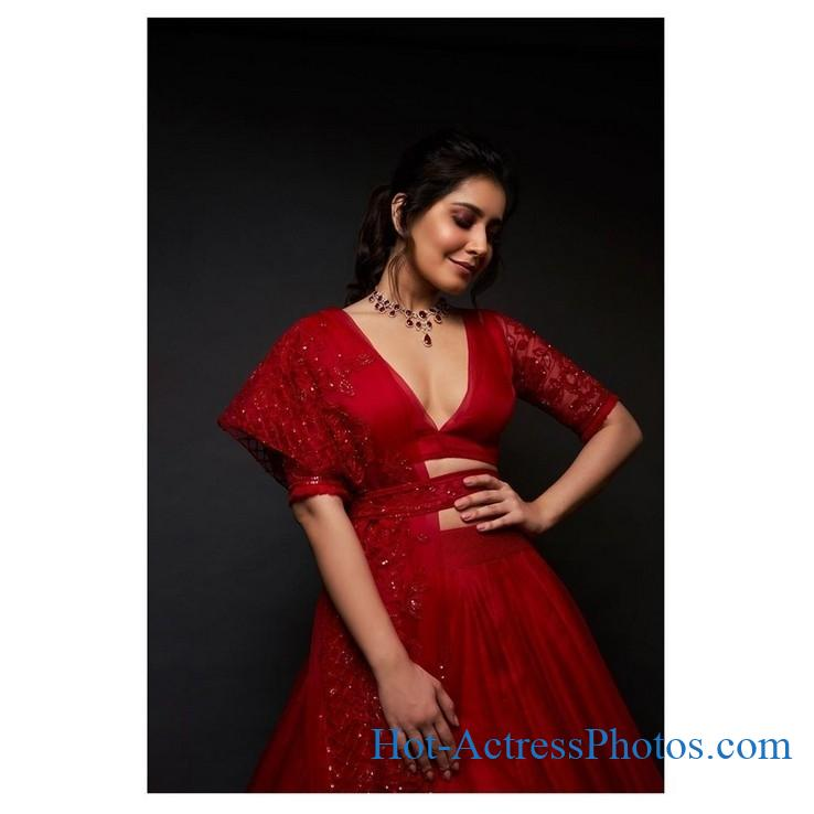 Raashi Khanna Latest Hot Unseen Photos