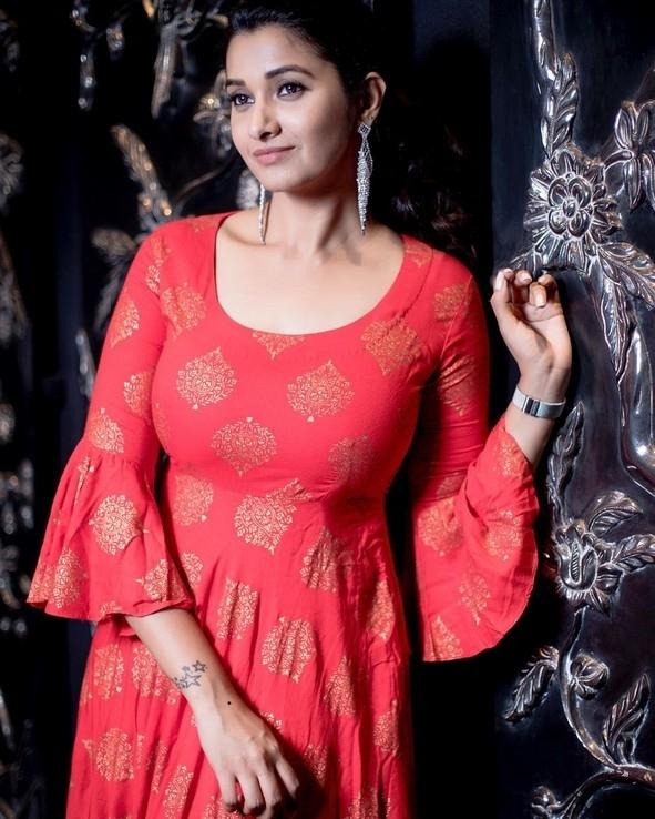 Priya Bhavani Shankar Hot Photos