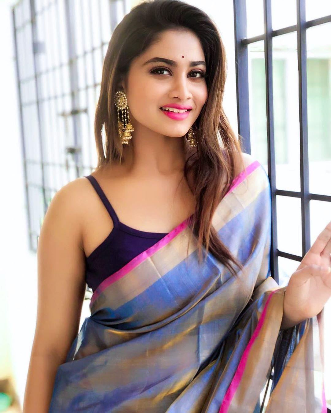Shivani Narayanan Hot Photos In Saree Hot Actress Photos